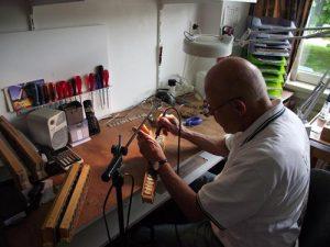 Reparatie tongenblok accordeon